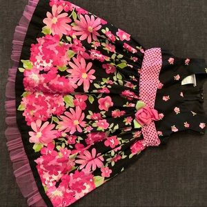 Fun flowery dress for your princess